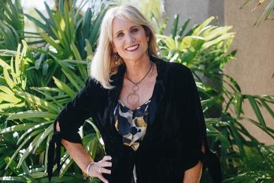 Julie Davis Farrow owner