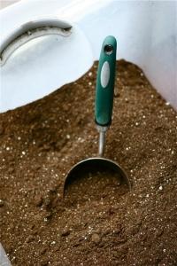 potting soil scoop
